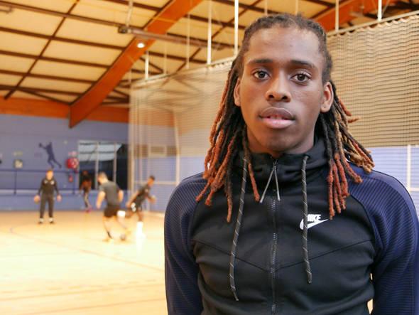 Kenny Lormont a été sélectionné en équipe de France de handball.