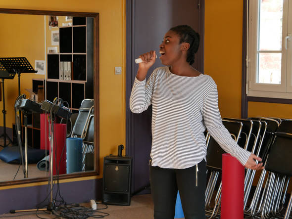 Pour Esther, la mise en scène est une révélation.